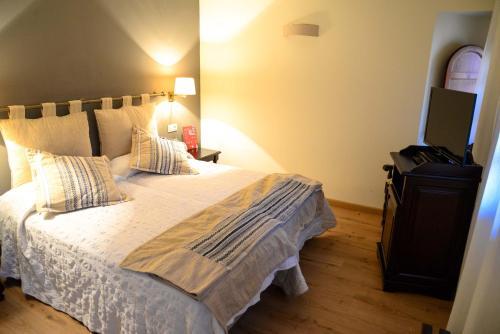 Doppel-/Zweibettzimmer mit Bergblick Hotel Cardenal Ram 10