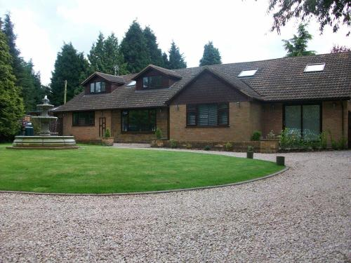 Barncroft Luxury Guest House, Solihull