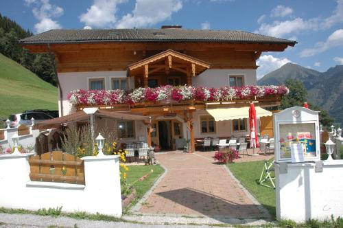 Фото отеля Alpenpension Lackenbauer