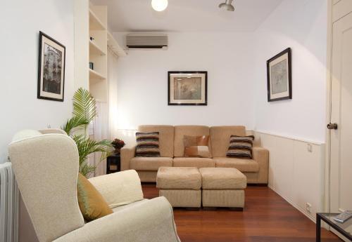Akira Flats Sant Pau apartments photo 6