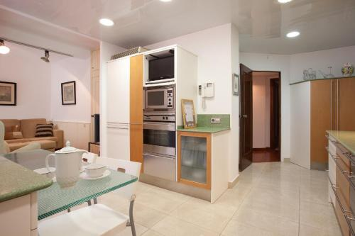 Akira Flats Sant Pau apartments photo 13