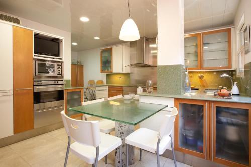Akira Flats Sant Pau apartments photo 17