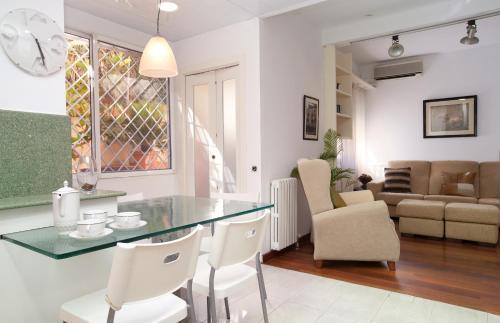 Akira Flats Sant Pau apartments photo 19