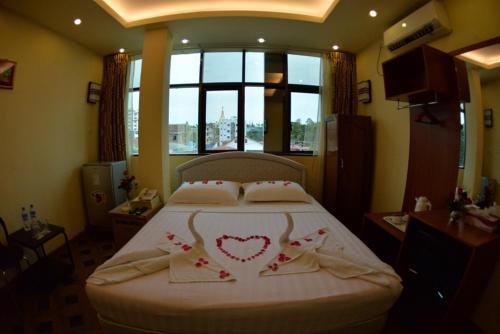 New Golden Forward Hotel room photos