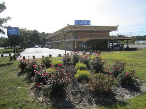 . Travel Inn and Suites