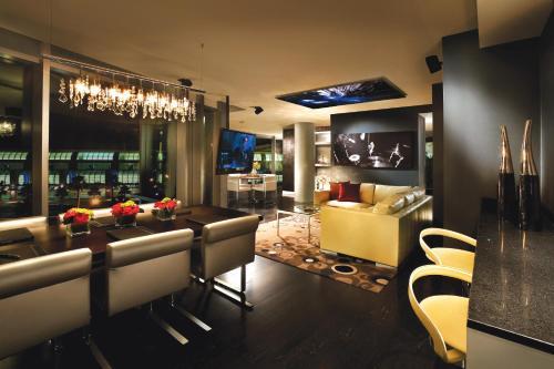 Hard Rock Hotel San Diego - San Diego, CA 92101