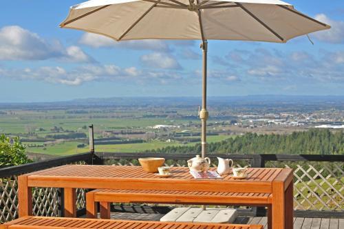 Warwick Hills Rural Retreat - Accommodation - Papamoa