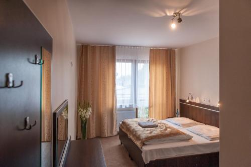 . Hotel E7