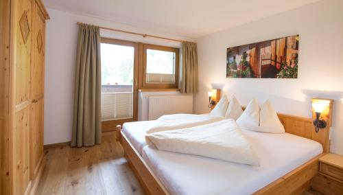 Ferienappartements Landhof - Apartment - Ellmau