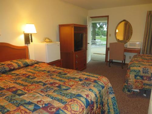 Best Budget Inn - Carthage, MO 64836
