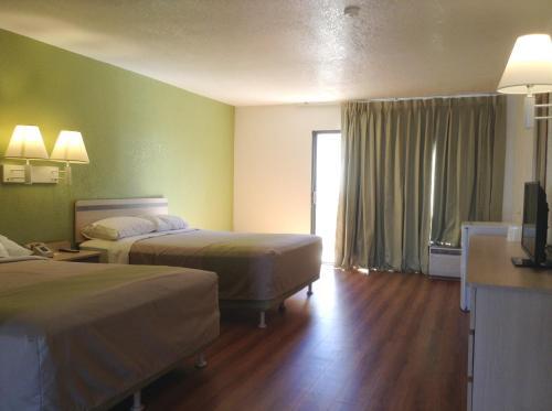 Motel 6 Hemet