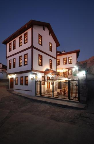 Ankara And Guest House adres