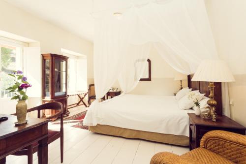 Double Room Hotel La Fuente de la Higuera 13