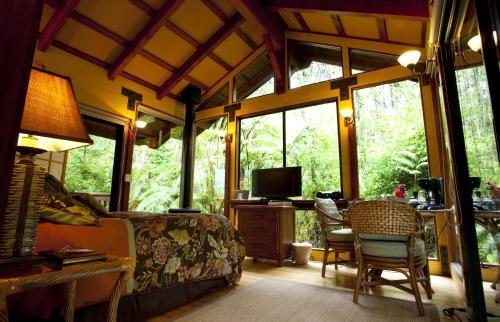 . Volcano Village Lodge