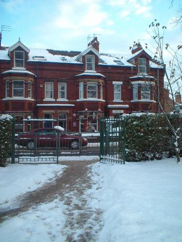 Burton Villa Guest House picture 1 of 26