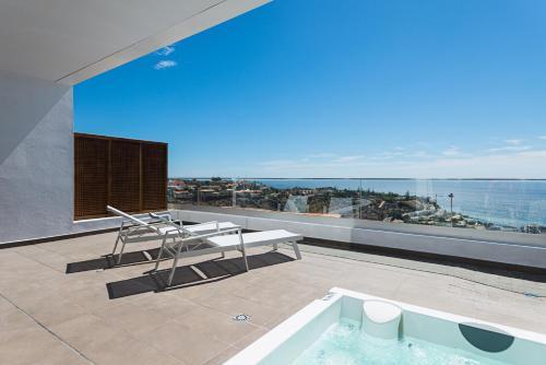 . Altos de la Gloria Beach Apartments