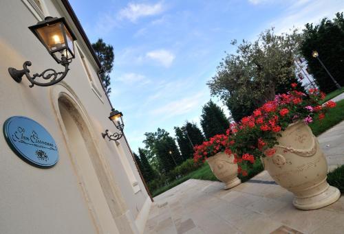 Via Cavalieri del Lavoro 37 (corner Via Malpasso), 47842 San Giovanni in Marignano, Italy.