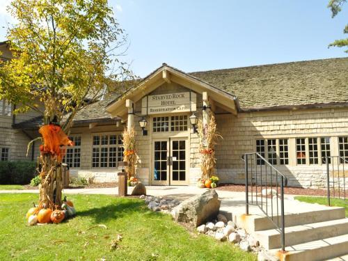 . Starved Rock Lodge & Conference Center