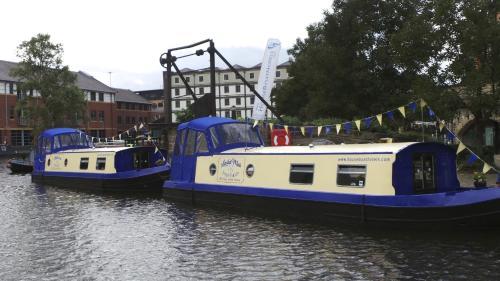 Houseboat Hotels, Sheffield