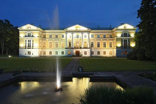 . Hotel Mežotnes Palace