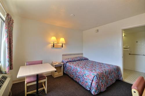 Welcome Inn - Indianapolis, IN 46219