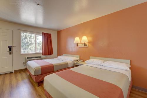 Motel 6 Westminster North - Westminster, CA 92683