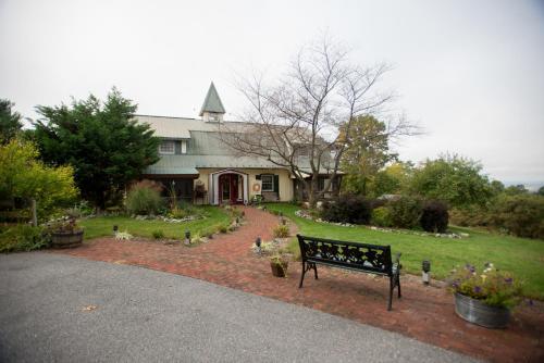 Antietam Overlook Farm - Keedysville, MD 21756