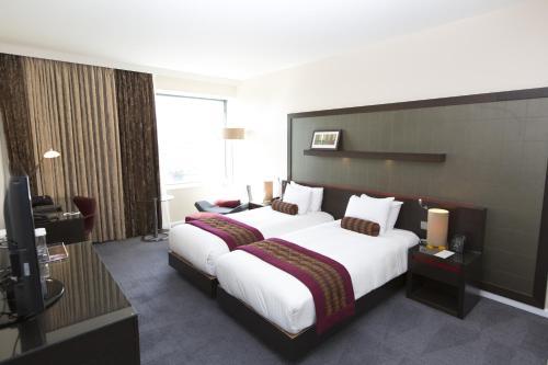 Hilton London Canary Wharf - image 13