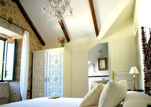 Standard Double or Twin Room Complejo Turístico Rural A TORRE DE LAXE 2
