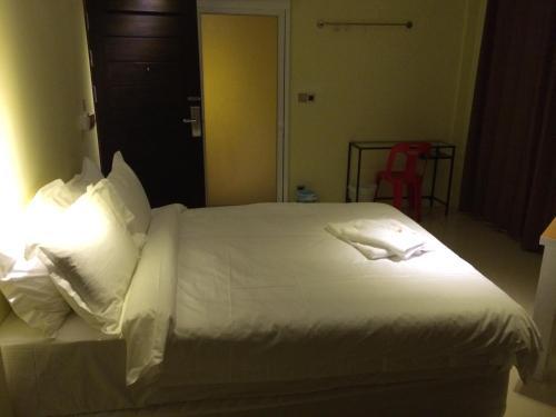 Au Bon Hostel photo 8