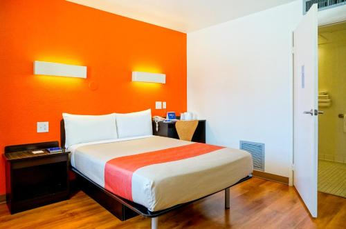 Motel 6 Carlsbad Beach