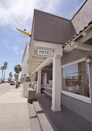 15 Rose Avenue, Venice, California, 90291, United States.