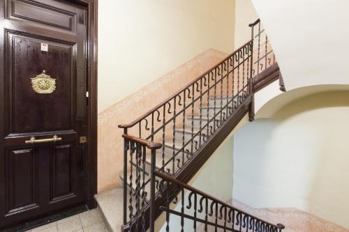 Always Barcelona Apartments - Montjuic photo 2