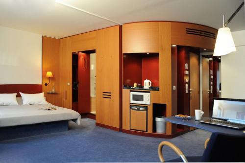 Novotel Suites München Parkstadt Schwabing photo 18