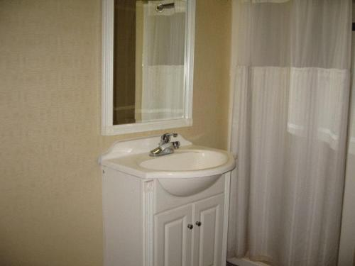 Town House Inn And Suites - Elmwood Park, NJ 07407