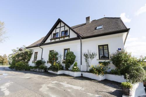 . Winzerhof Petz - Weinberg Lodge