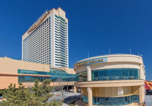 Golden Nugget Hotel & Casino Main image 1