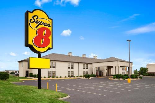 Super 8 By Wyndham Evansville North - Haubstadt, IN 47725