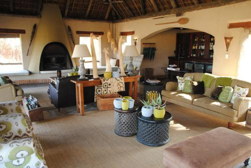 Thornybush Simbambili Lodge