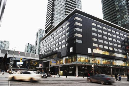 75 Bremner, Boulevard Toronto, Ontario, Canada.