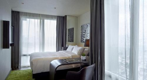 Gloucester Hotel photo 9
