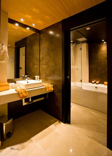 Habitación Doble Superior con bañera de hidromasaje Hotel Barrameda 18