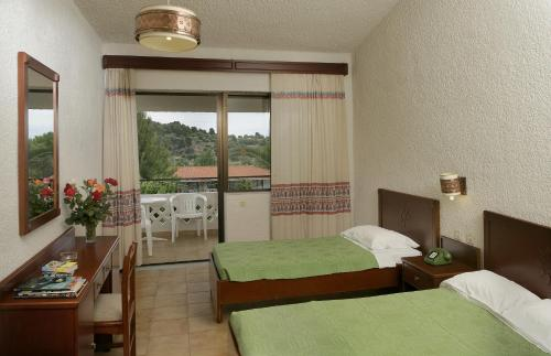 Habitación Doble (2 adultos + 1 niño) (Double Room (2 Adults + 1 Child))