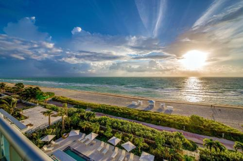 Mare Azur Miami Luxury Apartments by MC a Miami Beach