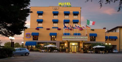 . Valdenza Hotel