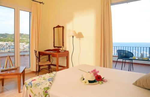 Doppelzimmer mit Meerblick Hotel Sant Roc 7
