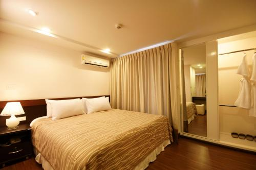 I Residence Hotel Sathorn photo 12
