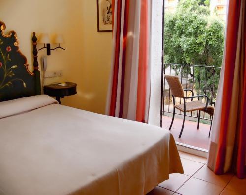 Standard Doppelzimmer Hotel Sant Roc 9