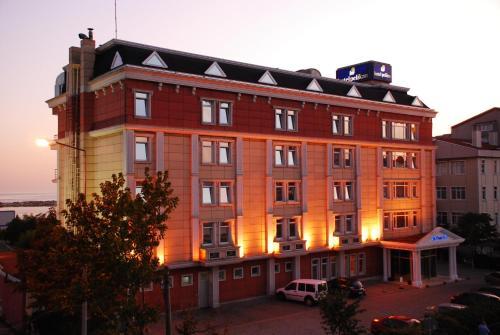 book Buyukcekmece Pelikan Hotel