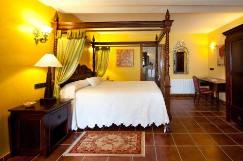 Suite Hôtel & Spa Etxegana, The Originals Relais (Relais du Silence) 2